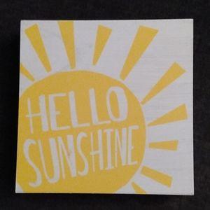 NEW! Box 'Hello' Plaque Home Decor